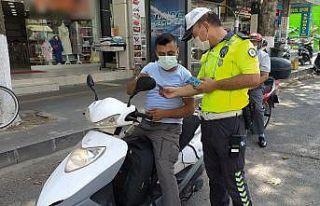 Motosiklet sürücülerine kask uyarısı