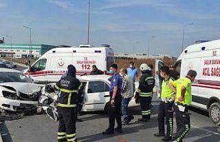 Kazada araç içerisine sıkışan sürücü can verdi