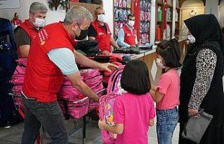 Öğrencilere 46 bin parça kırtasiye yardımı