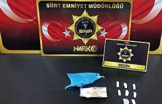 Siirt'te uyuşturucu madde ticareti yapan 5 kişi...