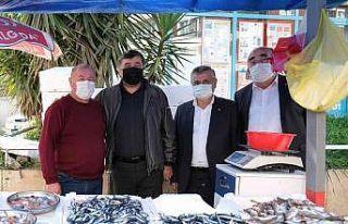 Başkan Şenlikoğlu, halk arasında ziyaretlerini...