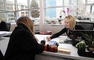 Gaziemir'deki CV Bank her ay ortalama 70 kişiyi...