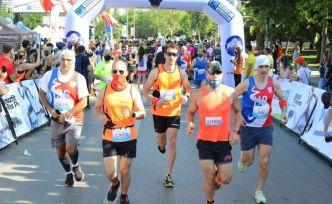 Sporcular Kadıköy Yarı Maratonu'nda şiddete karşı koşacak