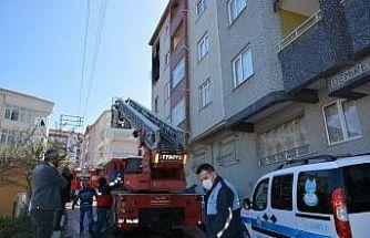 Türkeli'de apartmanda korkutan yangın