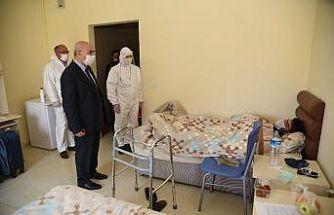 Vali Köşger karantina altındaki vatandaşları ziyaret etti