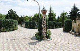Çorum'da mezarlıklar bayram ziyaretine hazırlandı
