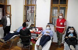 Muğla Eğitim Bir'sen şubesi kan verdi