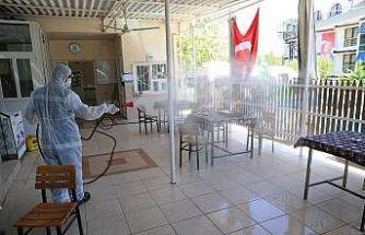 Pamukkale'de minibüs ve taksi durakları dezenfekte edildi