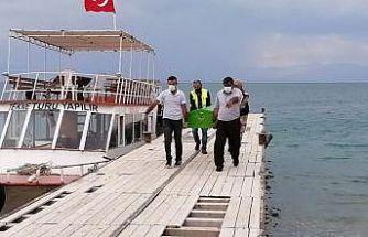 Van Gölü'nden 2 ceset daha çıkarıldı
