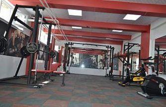Okulun kömür deposunu fitnes salonu yaptılar