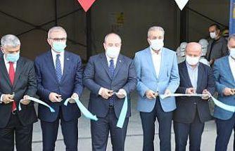 Bakan Varank Lice'de 125 kişiye istihdam sağlayan mermer fabrikasının açılışını gerçekleştirdi