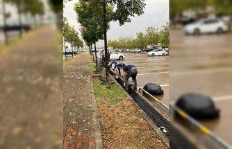 Büyükşehir ekipleri yağışa karşı mücadele ediyor