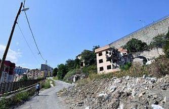 Erdoğdu'da yıkımlar sürüyor