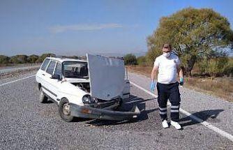 Otomobil kargo aracıyla çarpıştı
