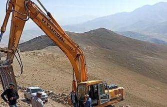 Van Büyükşehir Belediyesi bin 650 kilometre arazi yolu açtı