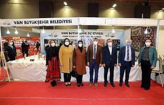 Van Büyükşehir Belediyesi stantlarına büyük ilgi