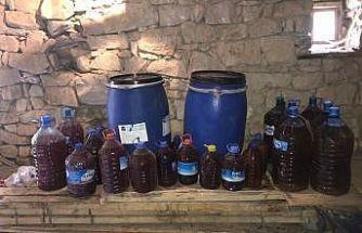 Jandarma ekipleri, kaçak şarap ele geçirdi
