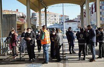 Lüleburgaz'daki pazar yerlerine kişi sınırlaması