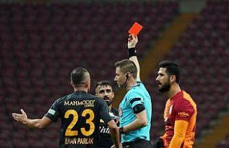 """Muğdat Çelik: """"Kırmızı kartı hak etmedim"""""""