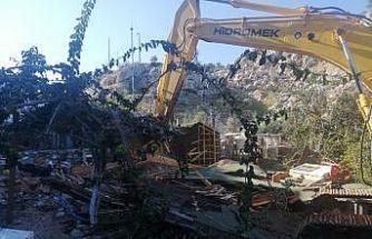Turistik mahallelerde yıkımlar devam ediyor