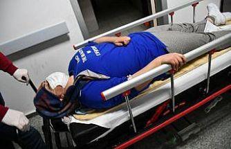 Aksaray'da otomobil yoldan çıktı: 2 yaralı