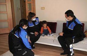 Cizre polisinden engelli çocuklara anlamlı ziyaret