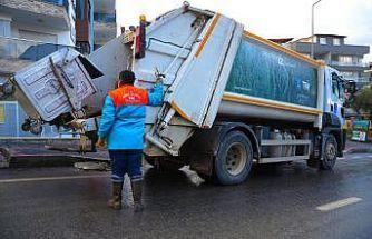 Kuşadası Belediyesi ekipleri, daha temiz bir Kuşadası için 24 saat mesai yapıyor