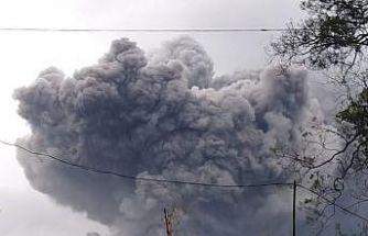 Semeru Yanardağı'ndaki patlama korkuttu