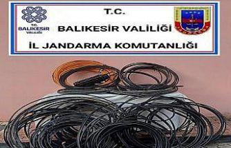 Sındırgı'da 2 kablo hırsızı şüphelisi yakalandı