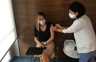 VM Medical Park Mersin Hastanesi çalışanları aşı oluyor