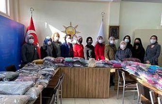 Yalova'da AK Parti Çiftlikköy İlçe Kadın Kolları, Diyarbakır'a yardım eli uzatıyor