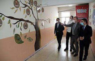 Ağrı Milli Eğitim Müdürü Tekin, dil sokağı ile müzik sınıfının açılışını gerçekleştirdi