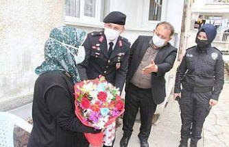 Beyşehir Kaymakamı Özdemir, ziyaret ettiği şehit annelerinin gününü kutladı