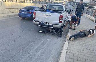 Motosiklet park halindeki kamyonete çarptı: 1 ağır yaralı