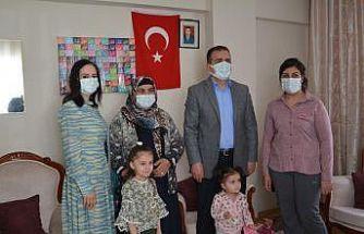 Vali Akıbıy'tan şehit ailesine ziyaret
