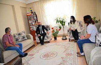 Vali Öner'den şehit ve gazi ailelerine bayram ziyareti