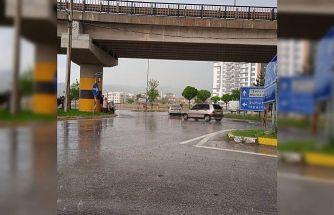 Afyonkarahisar'da dolu ve sağanak yağış etkili oldu