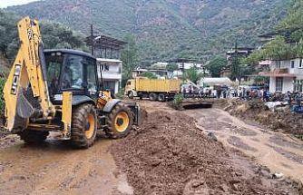 Aydın'da sağanak yağış etkili oldu