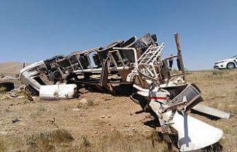Şarampole devrilen beton mikserinin sürücüsü yaralandı
