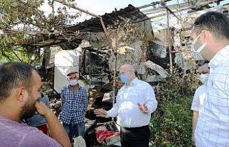Başkan Gümüş'ten evi yanan aileye yardım sözü