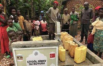 (Özel) Simavlı hayırseverler Uganda'ya temiz su kuyusu kazandırdı