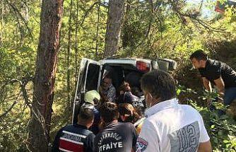 Ormanlık alana uçan cip devrildi: 1 yaralı