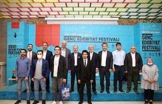 Genç Edebiyat Festivali Bayrampaşa'da başladı