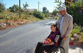 Engelli kadının asfalt talebi yerine getirildi