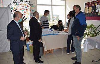 Fen lise öğrencileri okullarında Covid-19 aşısı yaptırdı