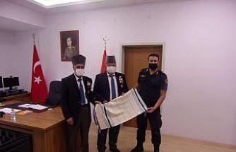 Kıbrıs gazilerden İlçe Jandarma Komutanı Ersoy'a hoş geldin ziyareti