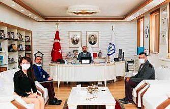 Rektör Prof. Dr. Türkmen, akademik ve idari personelleri ağırladı