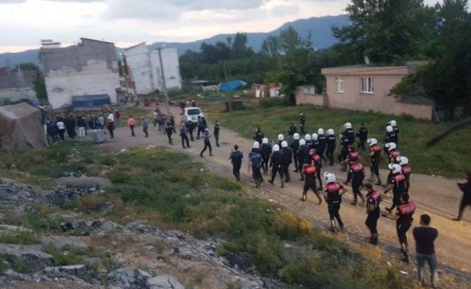 Bursa'da ortalık savaş alanına döndü: 1'i polis 3 yaralı