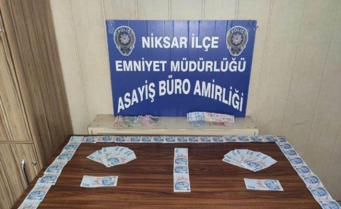 Tokat'ta sahte para ile esnafı dolandıran üç kişi yakalandı