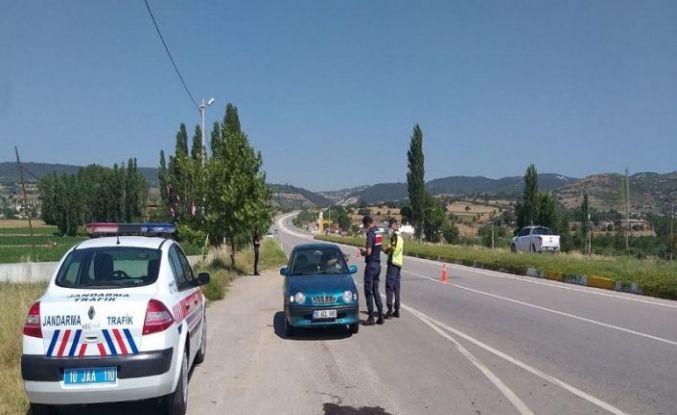 Jandarma aranan 349 kişiyi yakaladı